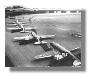 Luftbrücke: C-47 in Tempelhof