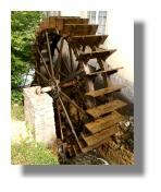 Wasserrad zur Nutzung der Wasserkraft
