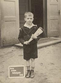 Einschulung mit Schultüte, 1935